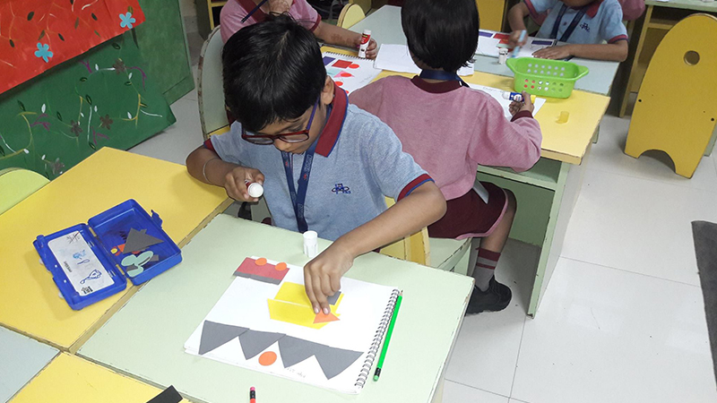 Kindergarteners celebrate International Artists Day